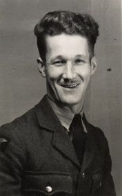 Sid Gradidge 4 (RAF uniform).jpg