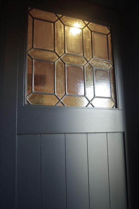 ドア北欧ステンドグラス