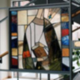 九州学院中学校校舎にステンドグラスパネルを設置させていただきました🛠_・_実は