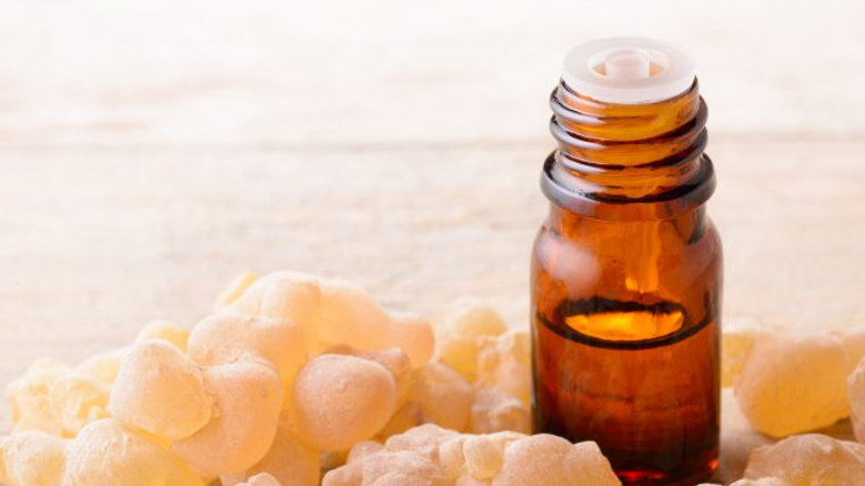 100% Pure & Natural Frankincense Oil