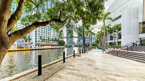 Hyatt-Regency-Miami-P184-Riverwalk-Terra
