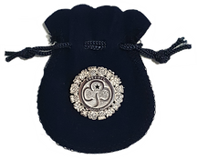 Silver_brooch.png