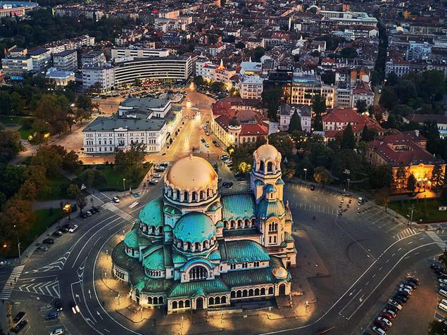 1280px-Cathedral_Saint_Alexander_Nevsky_