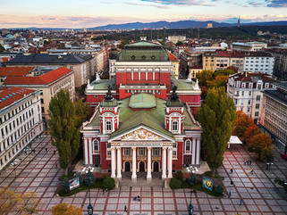 1280px-National_Theatre__Ivan_Vazov__(37
