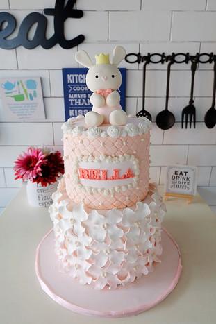 Bella the Bunny Cake