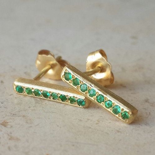 Linia Studs in 18k Gold with Emeralds