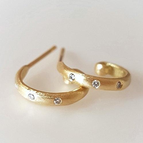 חישוקים קטנים משובצים יהלומים