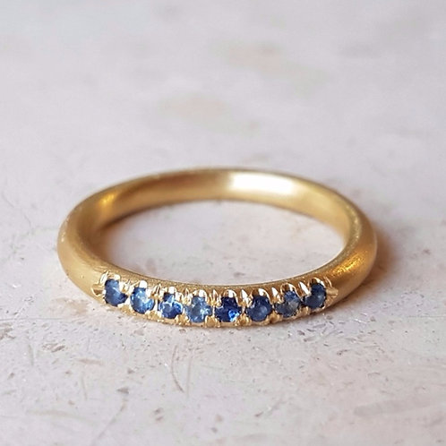 Blue Sapphire Stacking Ring in 18k Gold