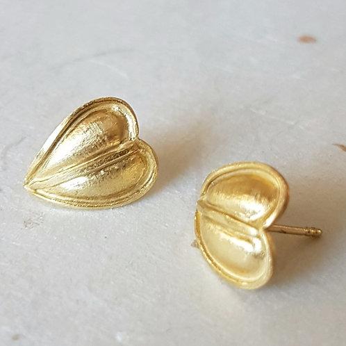 Heart Stud Earrings in 18k Gold