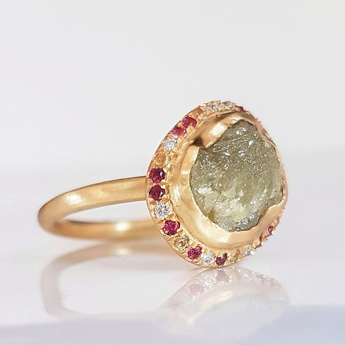 Rough Diamond Ring in 18k Gold