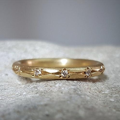 טבעת כוכבי יהלומים