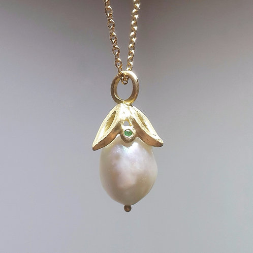 Freshwater Pearl Necklace in 18k Gold