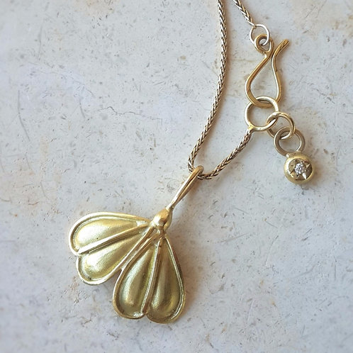 Ginkgo Necklace in 18k Gold