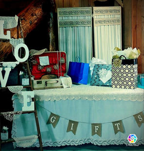 Card and Gift Table for Wedding