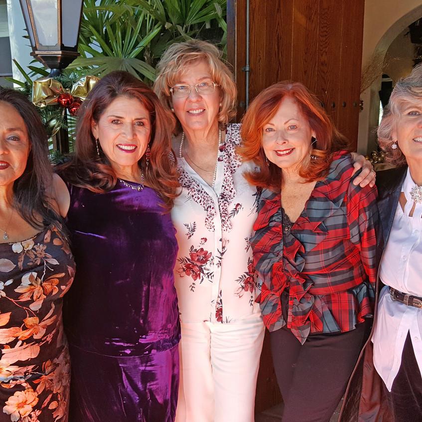 Saa sisters, Linda, Lynn, Edie