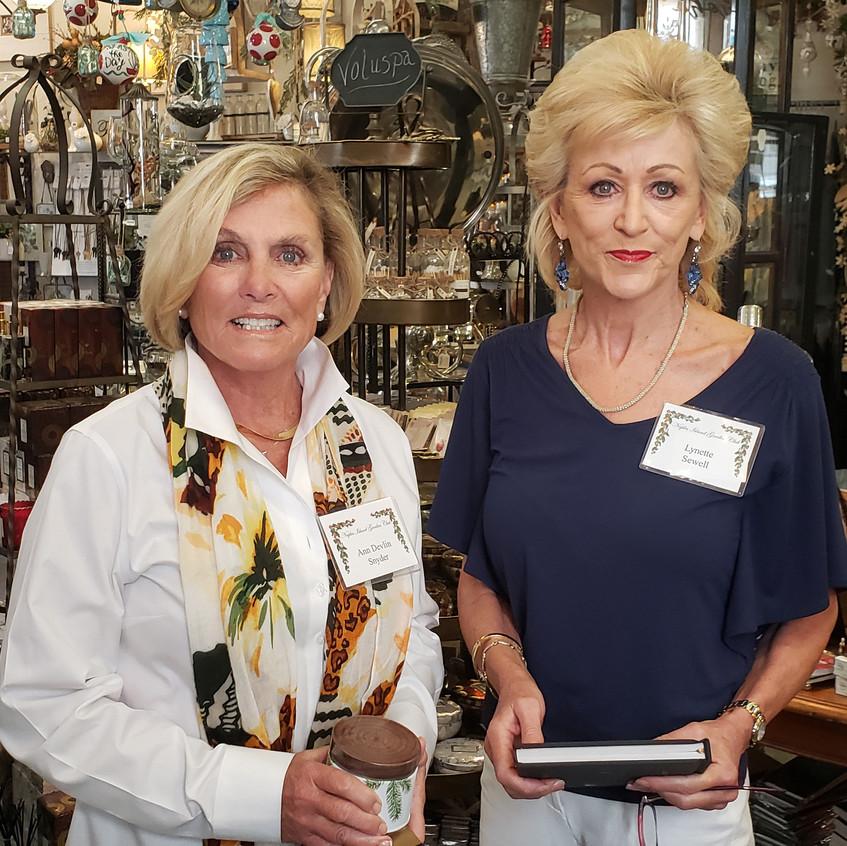 Ann, Lynette