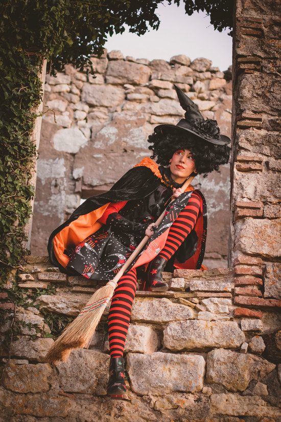 bruixa-puerta-5-peqjpgbigvang-creativa