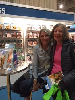 Salon du livre de Montréal  avec mon amie Hélène Racine  Décembre 2017