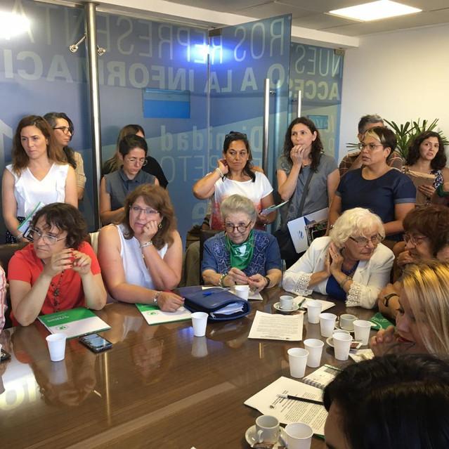 C._Yutrovic_reunión_Aborto_Congreso_1