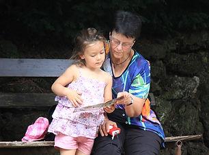 grandma-1421329.jpg