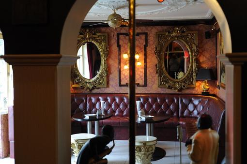 Große Bar
