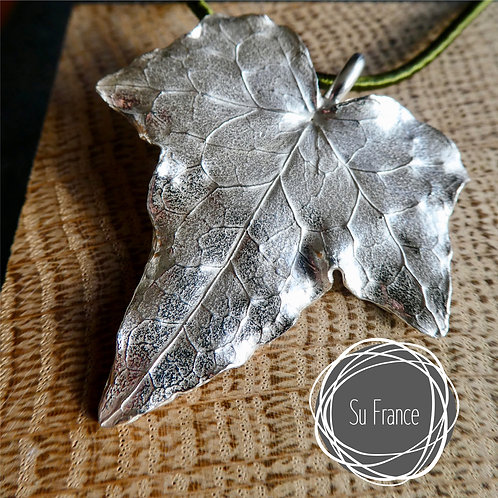 Large Ivy Leaf Pendant