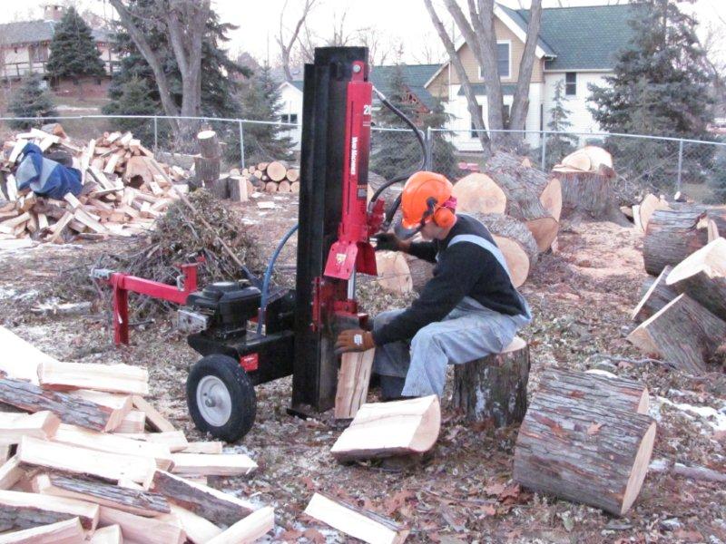 David splitting wood nov2013