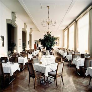candida-höfer-restaurant-kunsthalle-basel-i.jpg