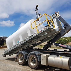 Allquip Water Trucks: hooklift truck water tank product example