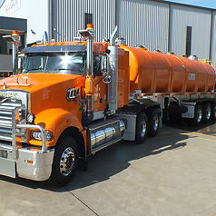 Allquip Water Trucks: bulk tanker water cartage product example