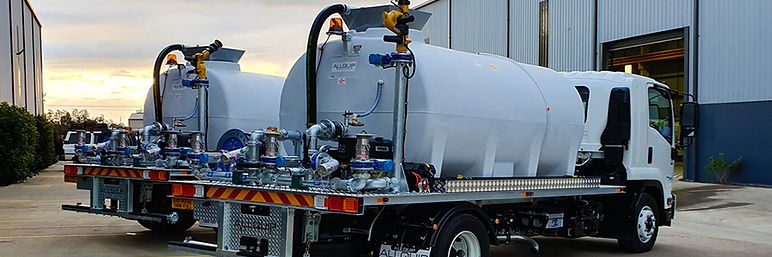 Two new water trucks with electric cannons for the construction industry