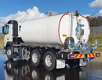 Premium steel water truck with rolled elliptical shape water tank