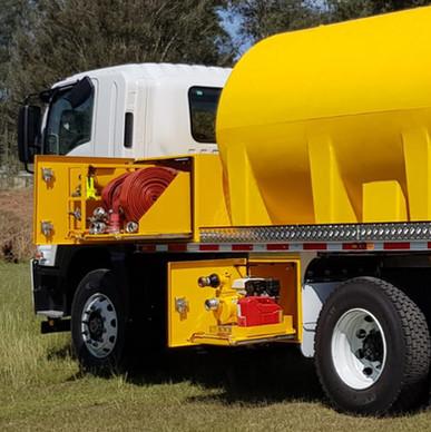 Bulk Water Tanker 03.jpg