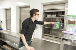 Αναβατόρια  ανελκυστήρες τροφίμων  μικρών φορτίων (μίνι ασανσέρ) KLEEMANN (1)