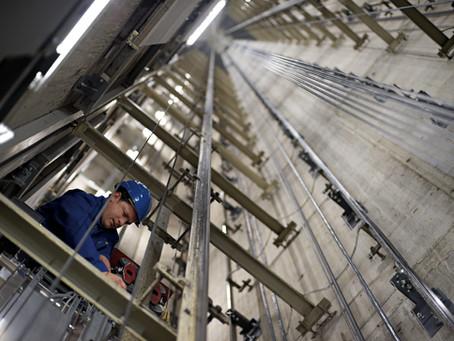 Αρχίζουν έλεγχοι στα συνεργεία συντήρησης ανελκυστήρων