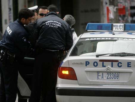 Διαρρήκτες για κλάματα στην Αθήνα. Εγκλωβίστηκαν στο ασανσέρ, κατέληξαν στο νοσοκομείο