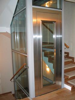 hydraulic-elevators-machine-room-less-56802-6176733.jpg