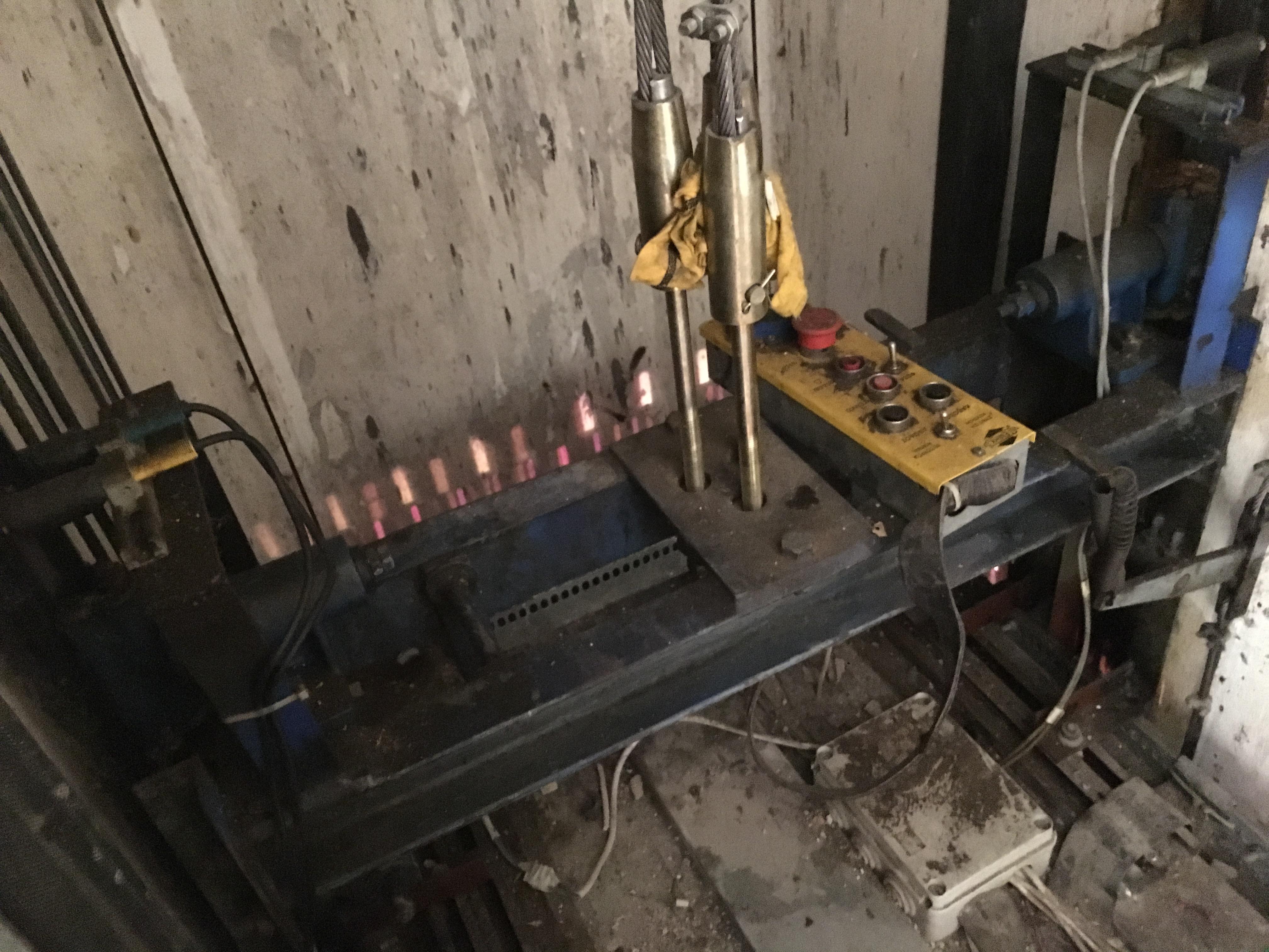 Ανελκυστήρες πιστοποιημένοι σε μαύρα χάλια (9)