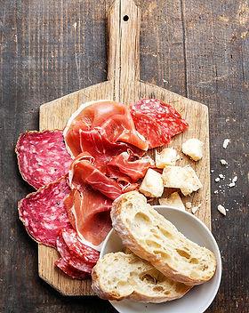 Jamón, salami y queso Junta