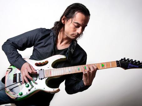 Sesión fotográfica con el guitarrista Carlos Blanco