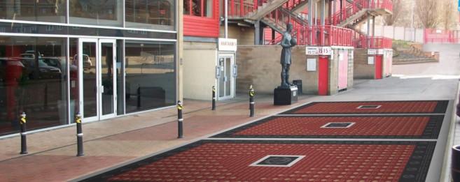 Dedication walkway