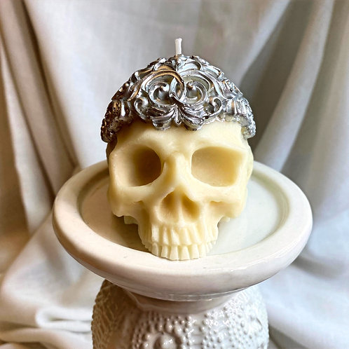 Skull with crown (2 color options)