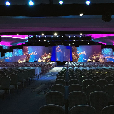 Conference With Underwater Theme Using Video Mapping
