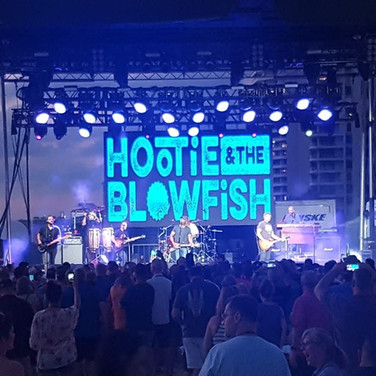 Hootie and The Blowfish Outside Concert Stage