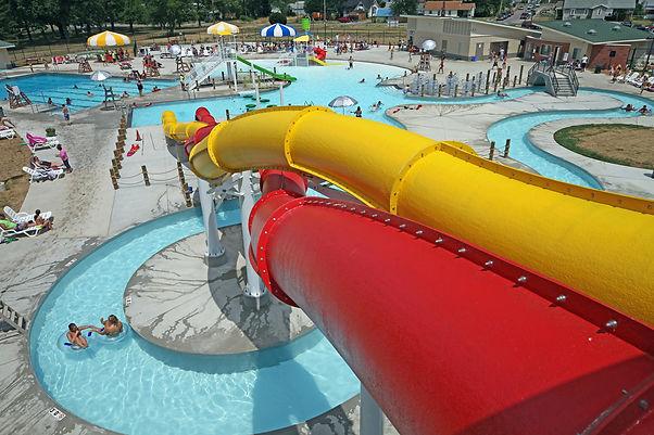 AQ 0093-37 Lincoln Park Family Aquatic C