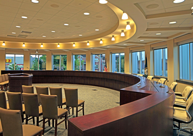 MUN 0033-32 Somerset City Hall & Energy