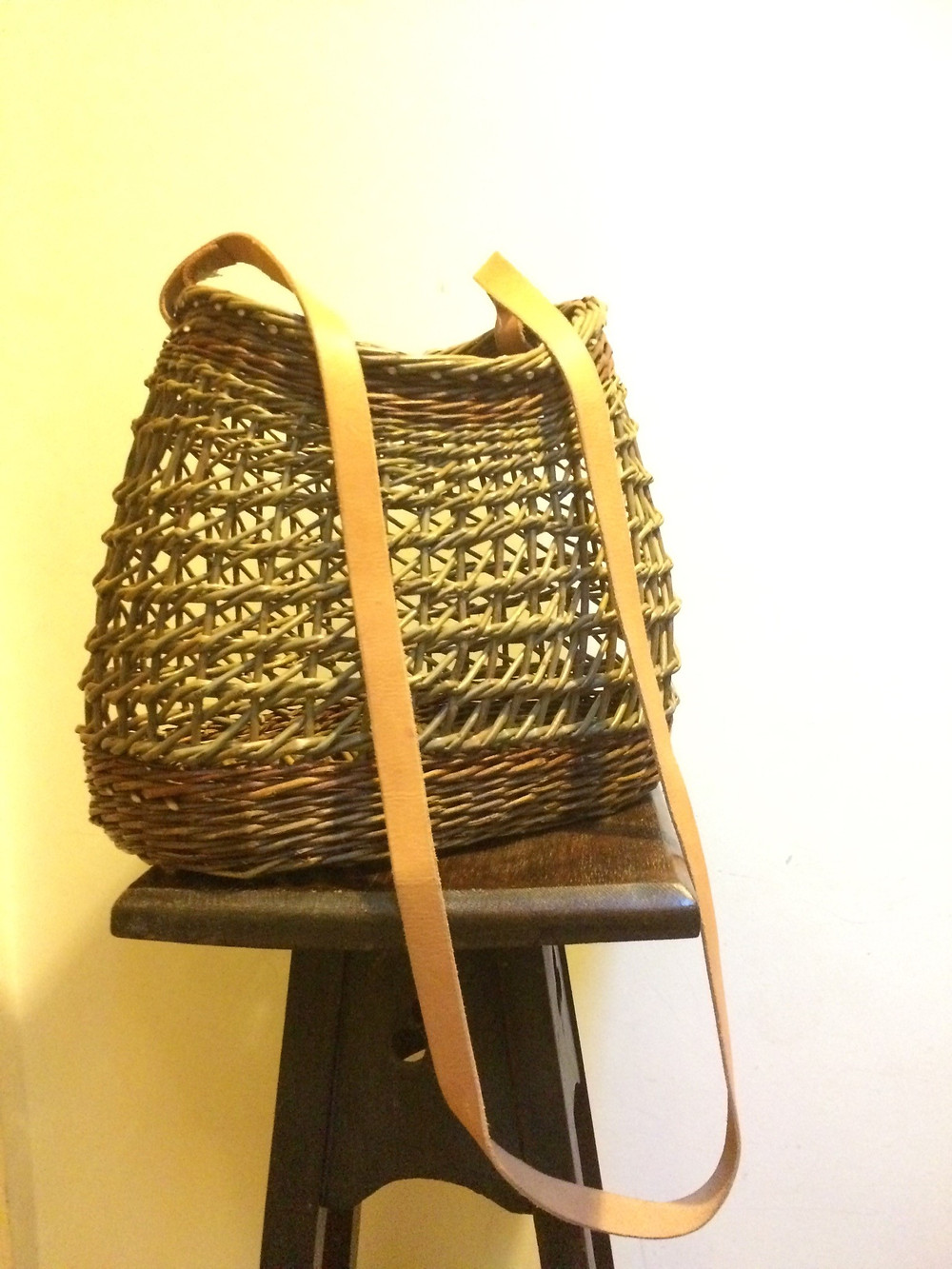 willow bag travelling weaver willow basketry shropshire