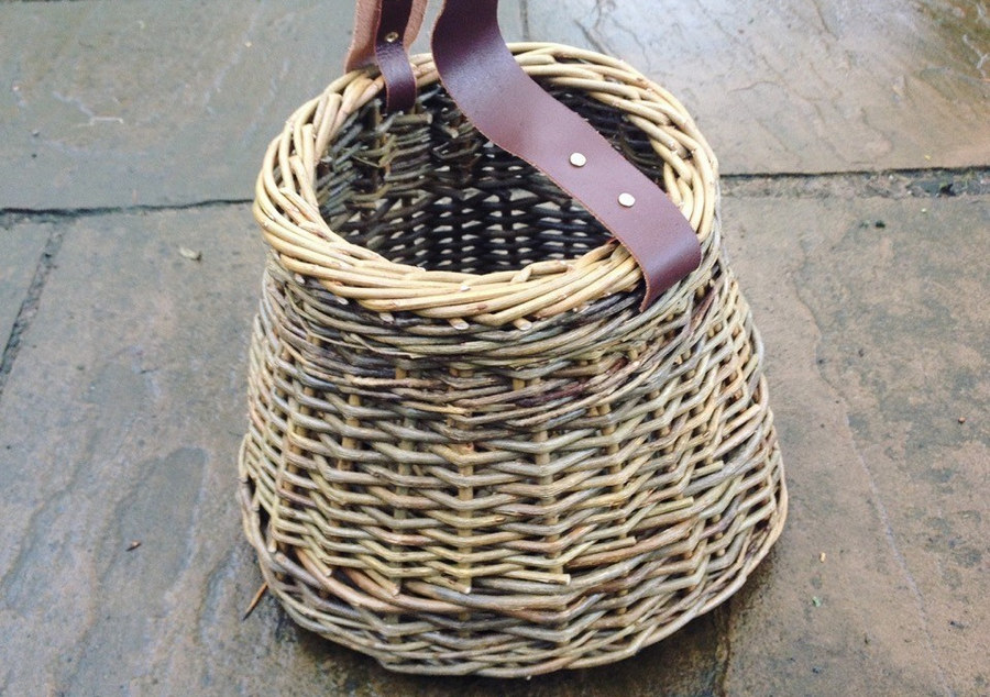 Travelling Weaver Leather Handle Willow