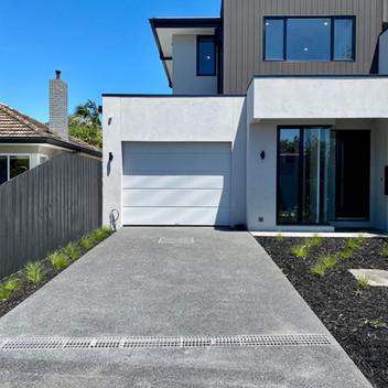 Mont quartz Exposed Aggregate concrete driveway