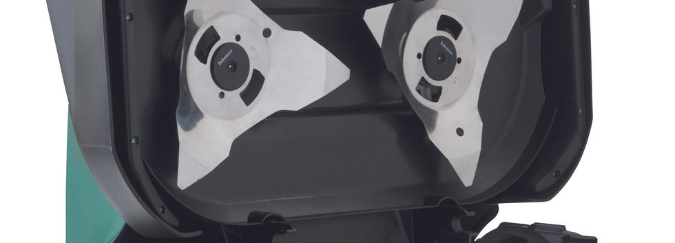 Robomow RS635_showing blade.jpg